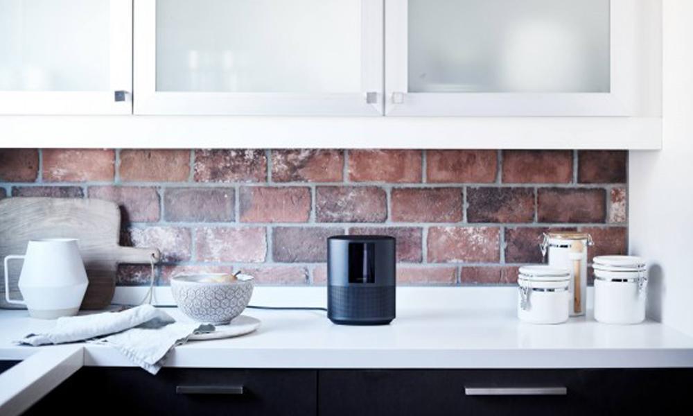 Home Speaker 500 Kitchen Lifestyle image.