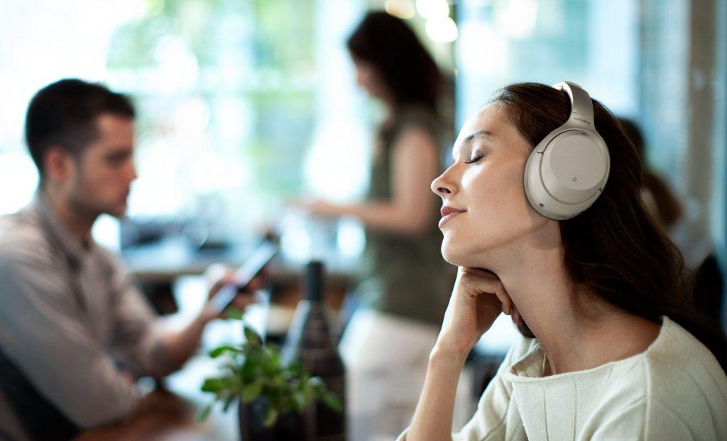 Sony WH1000XM3 listening