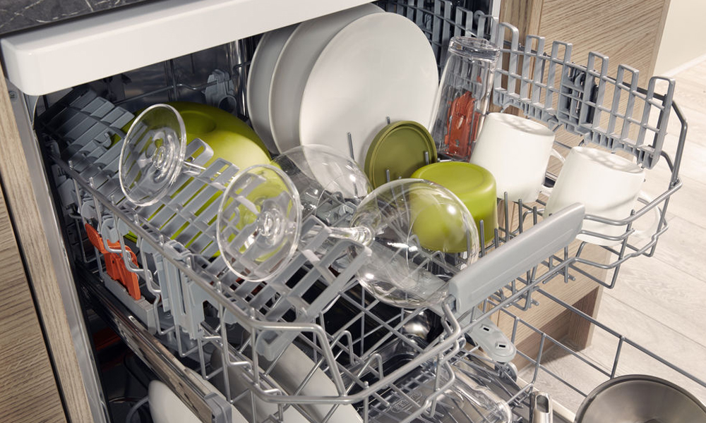 Hotpoint dishwasher interior